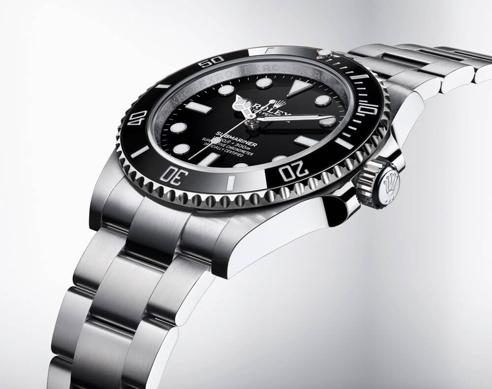 2020 Rolex Oyster Perpetual Submariner Side Profile