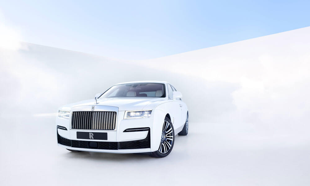 2021 Rolls-Royce Ghost Front Side View
