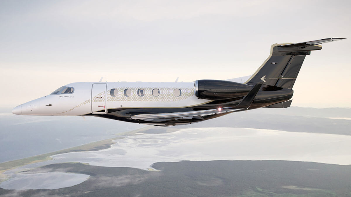 This Is The New Embraer Phenom 300e Business Jet Billionaire Toys