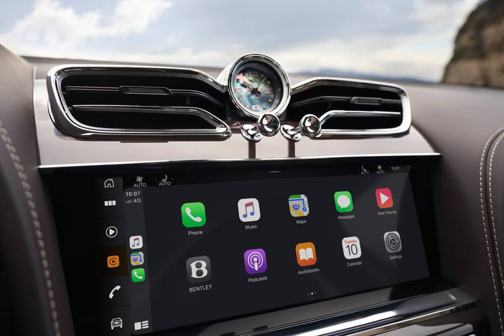 Apple CarPlay and Android Auto (in applicable regions) now standard. Credit: Bentley