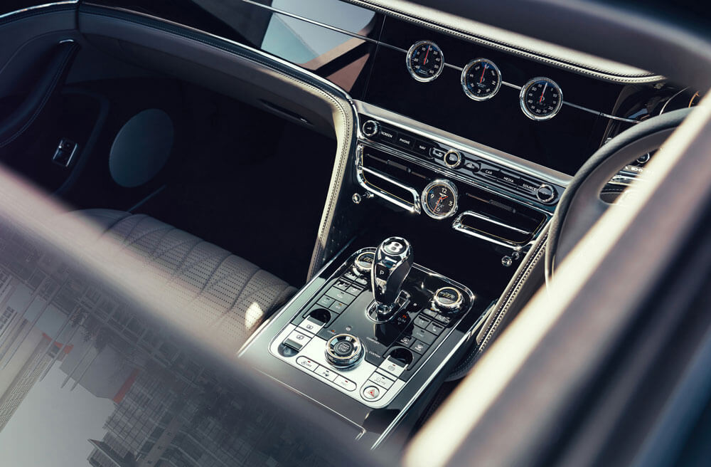 2021 Bentley Flying Spur Center Console