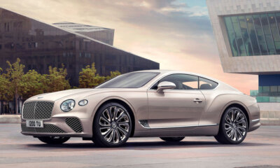 Bentley Continental GT Mulliner Front Side View