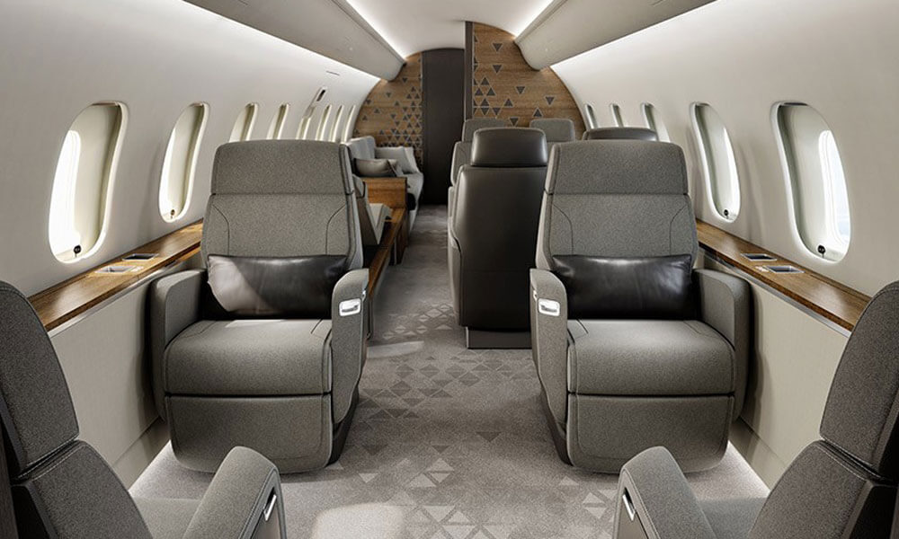 Bombardier Global 5500 interior cabin looking towards aft