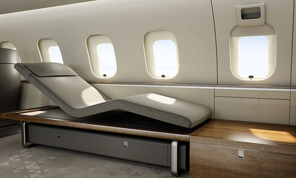 Bombardier Global 5500 Nuage chase lounge