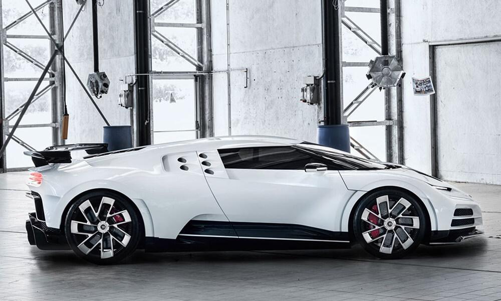 Bugatti Centodieci Right Side View Inside