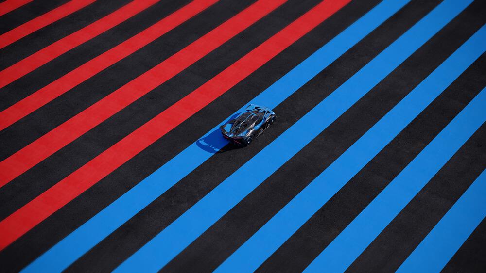 Bugatti Bolide Hypercar Track Stripes