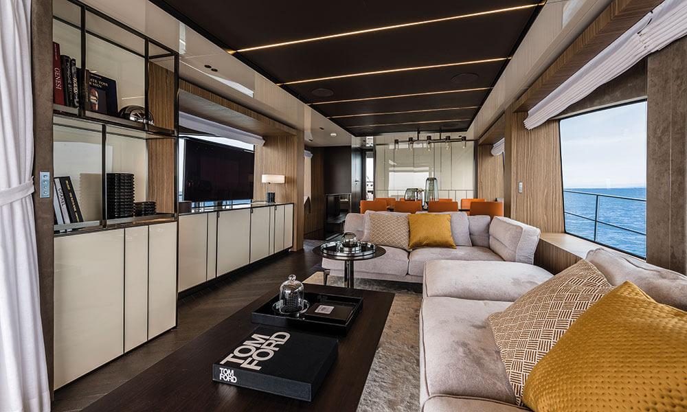 Cranchi Settantotto 78 salon interior view fore