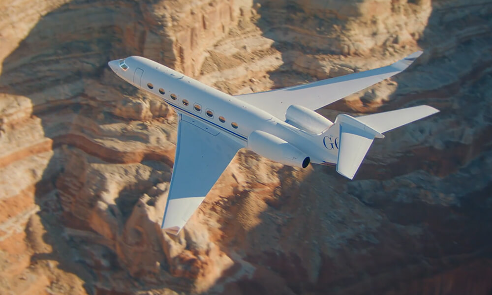 G650ER Flying over canyon