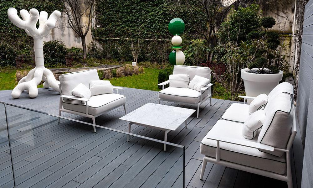 Garden courtyard at the Bugatti showroom Neuilly-sur-Seine, Paris