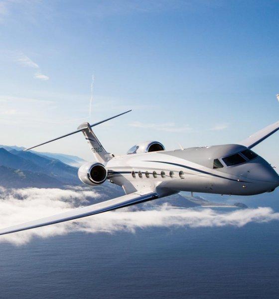 Gulfstream G550 corporate jet