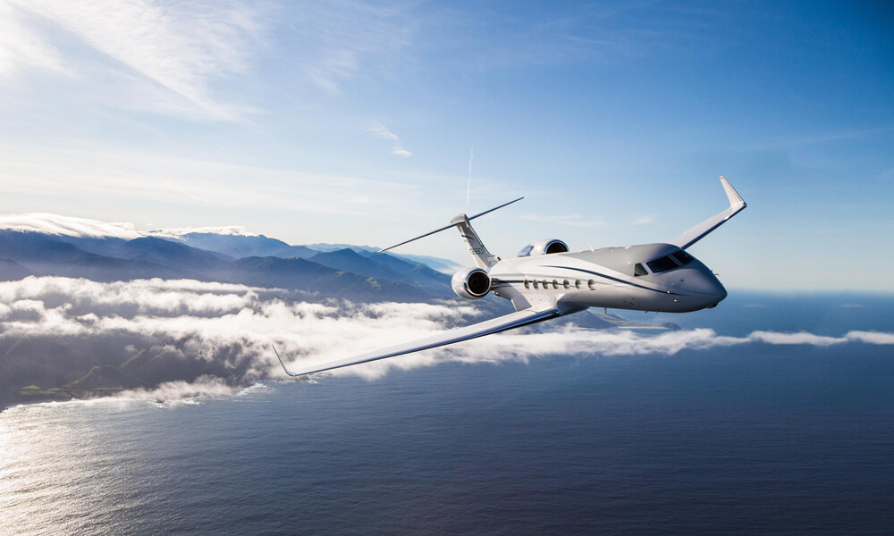 A large-cabin, long-range business jet designed for trans-continental travel. Credit: Gulfstream