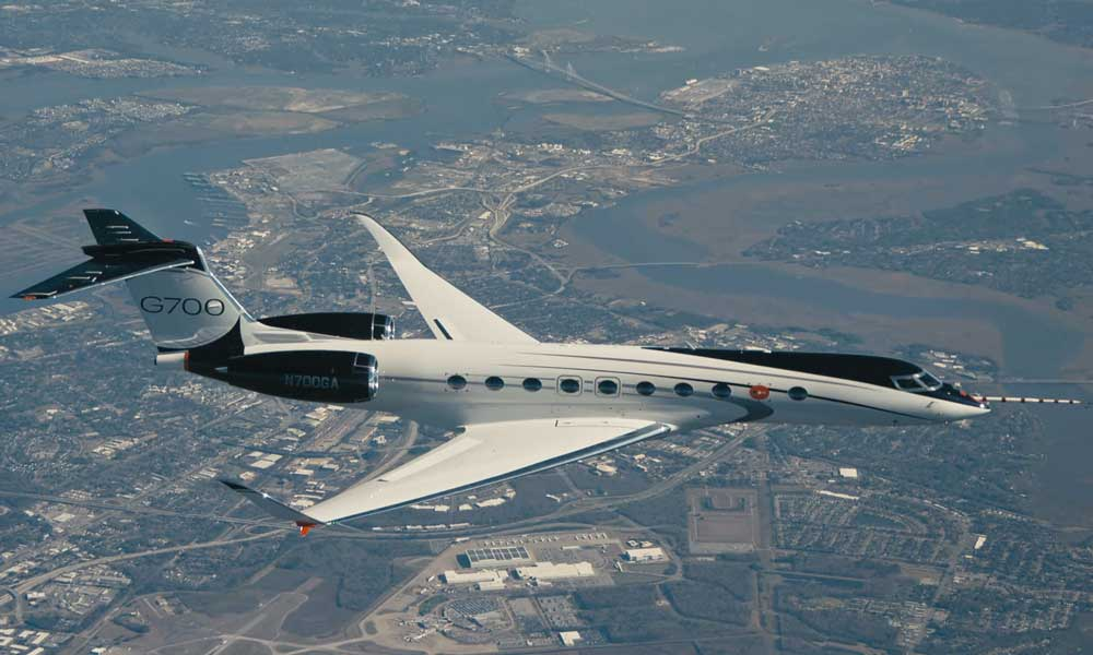 Gulfstream G700 experimental test aircraft flying