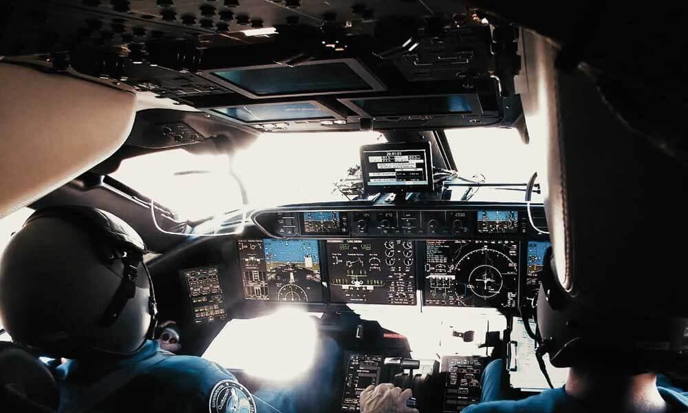 Gulfstream G700 experimental test pilots flying