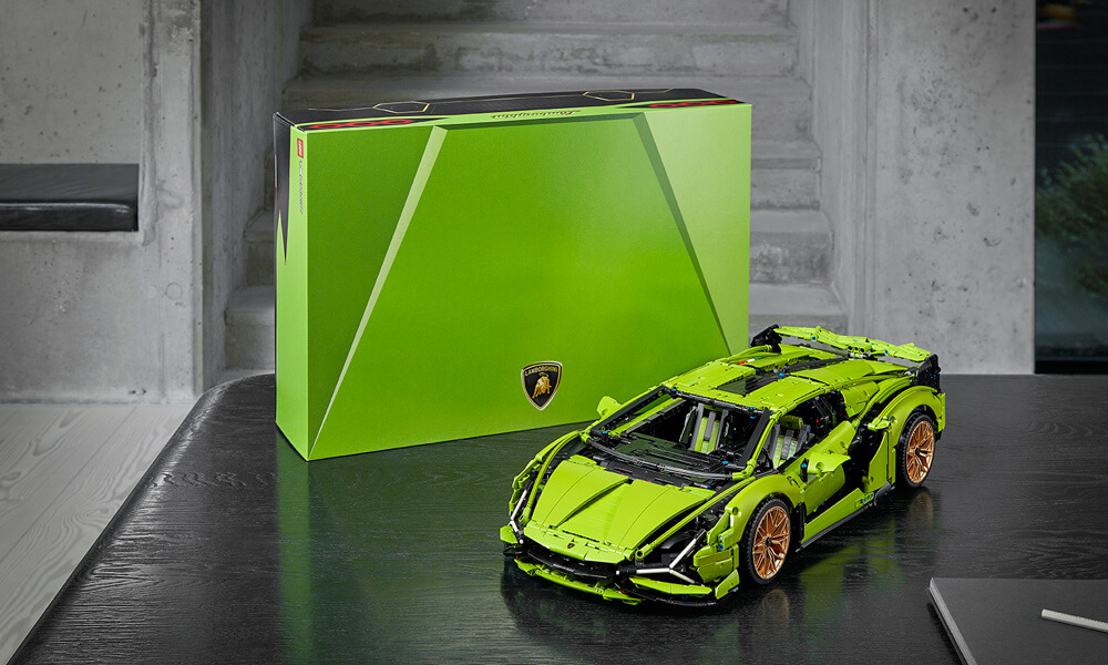 The new LEGO Lamborghini Sián in lime green.