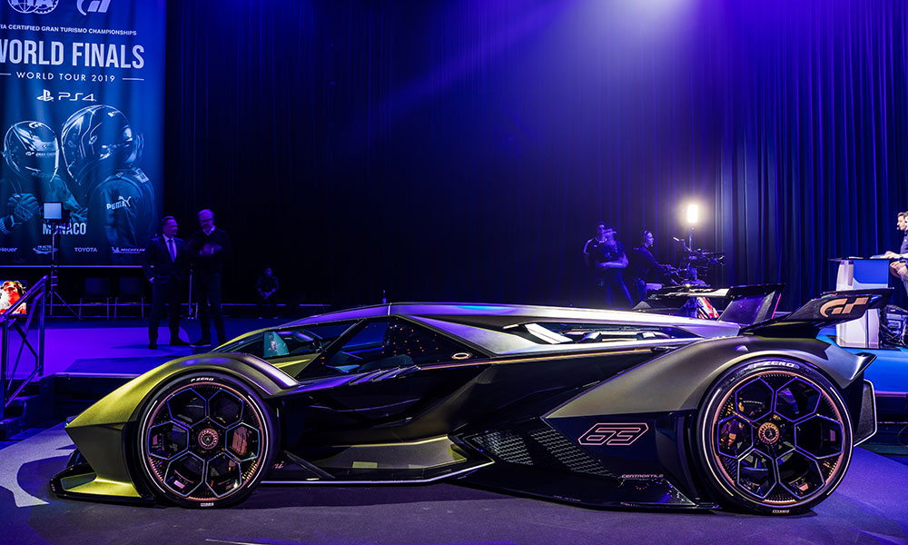 Side view of the Lamborghini Lambo V12 Vision Gran Turismo