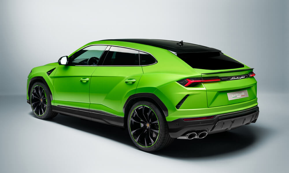 Included in the Pearl Capsule edition is matching wheel rims to the body color. Credit: Lamborghini