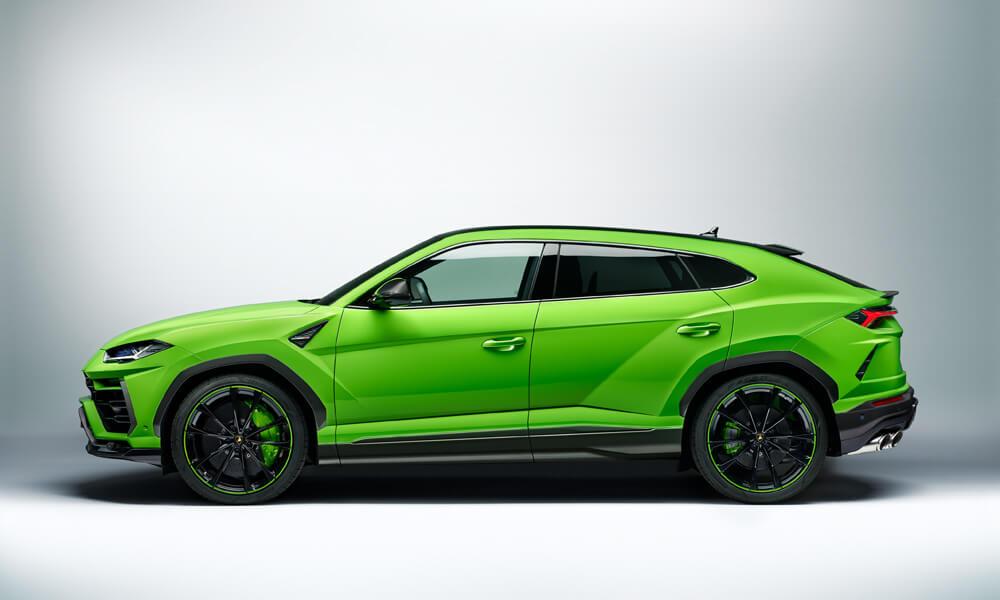 The 2021 Lamborghini Urus Pearl Capsule in Verde Mantis. Credit: Lamborghini
