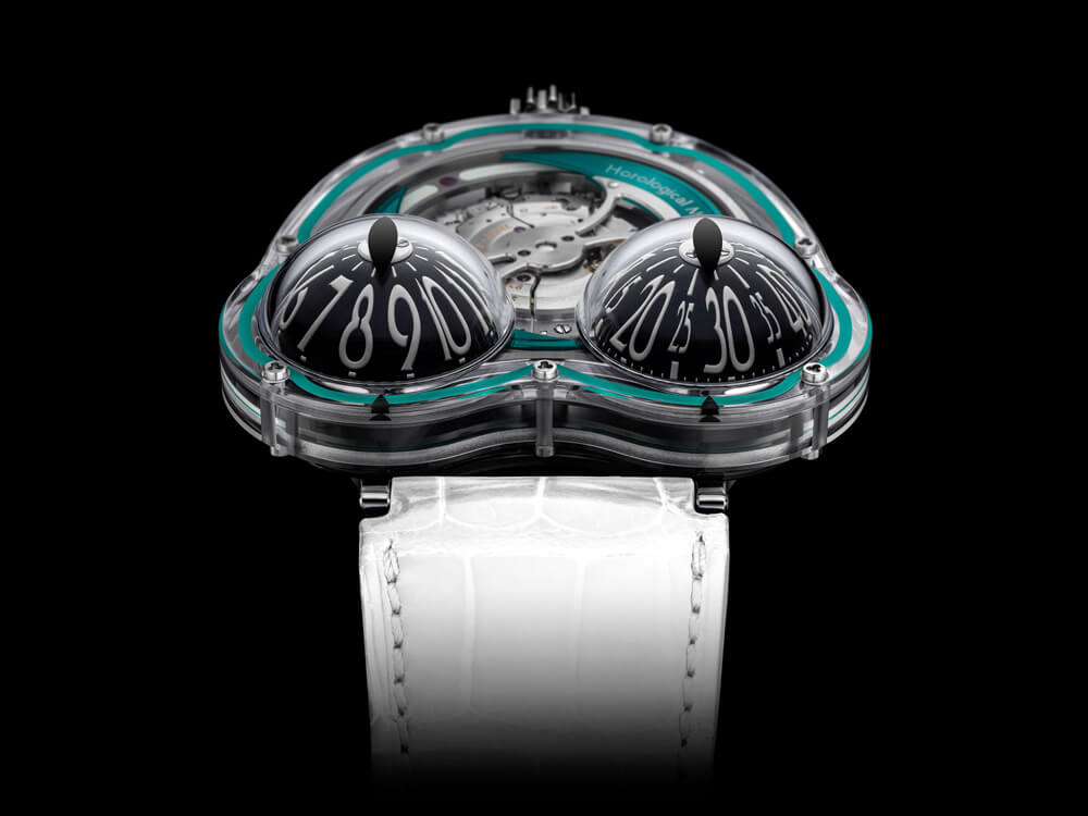 Black line markers indicate the correct hour and minutes. Credit: MB&F