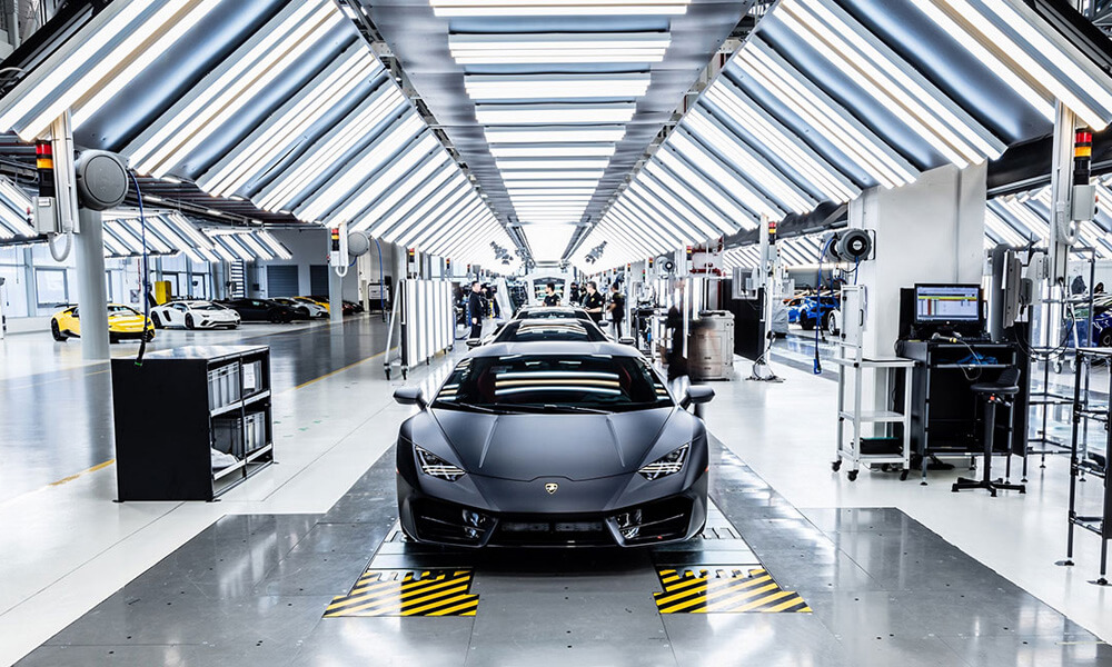 Lamborghini factory closures caused by governmental coronavirus covid-19 policies.