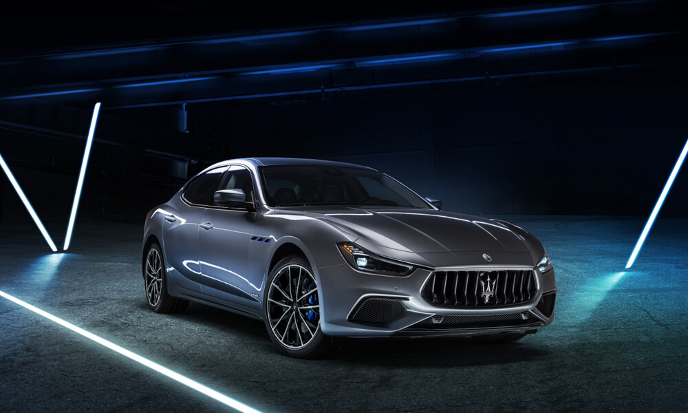 Maserati Ghibli Hybrid Electric Front Side Left View