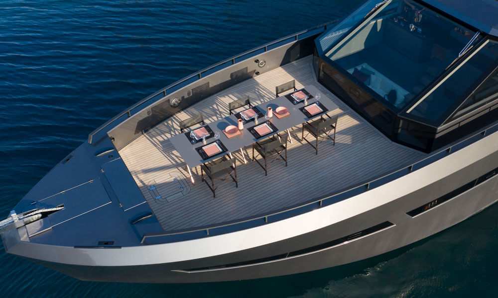 Mazu Yachts Mazu 82 fore deck open air dining
