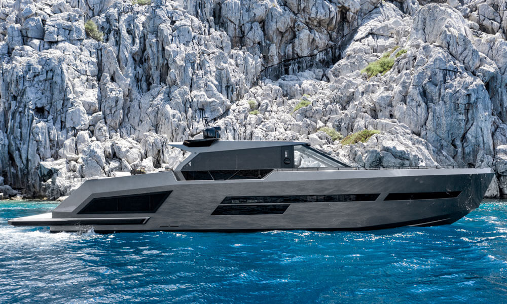 Mazu 82 superyacht side profile