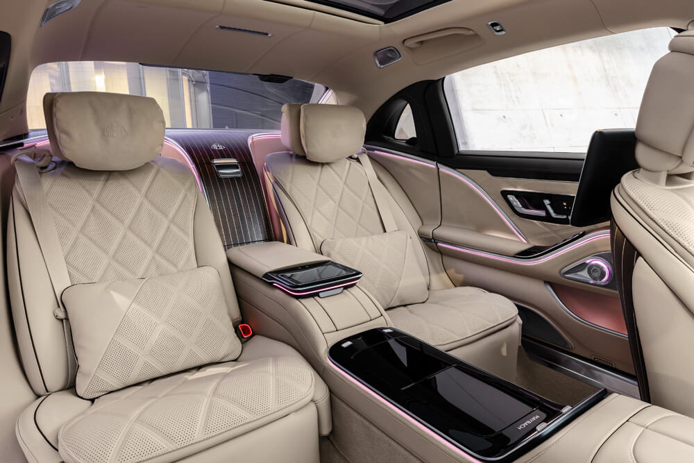 Luxurious rear seating so that passengers are comfortable whether working or resting. Credit: Mercedes-Benz