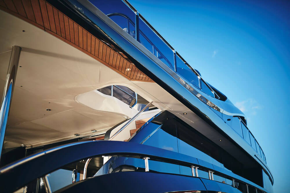Princess Yachts X95 Exterior Decks
