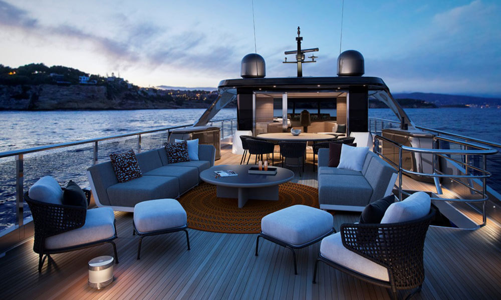 Princess Yachts X95 Exterior Upper Deck
