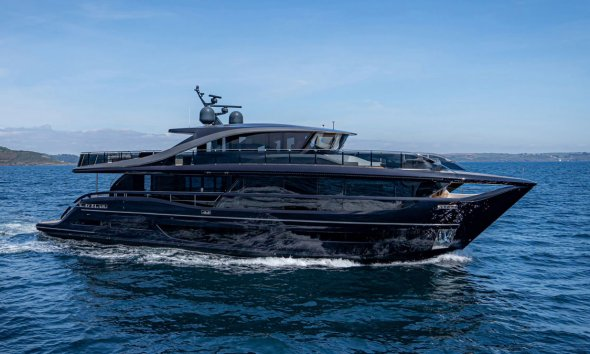 Princess Yachts X95 Side View