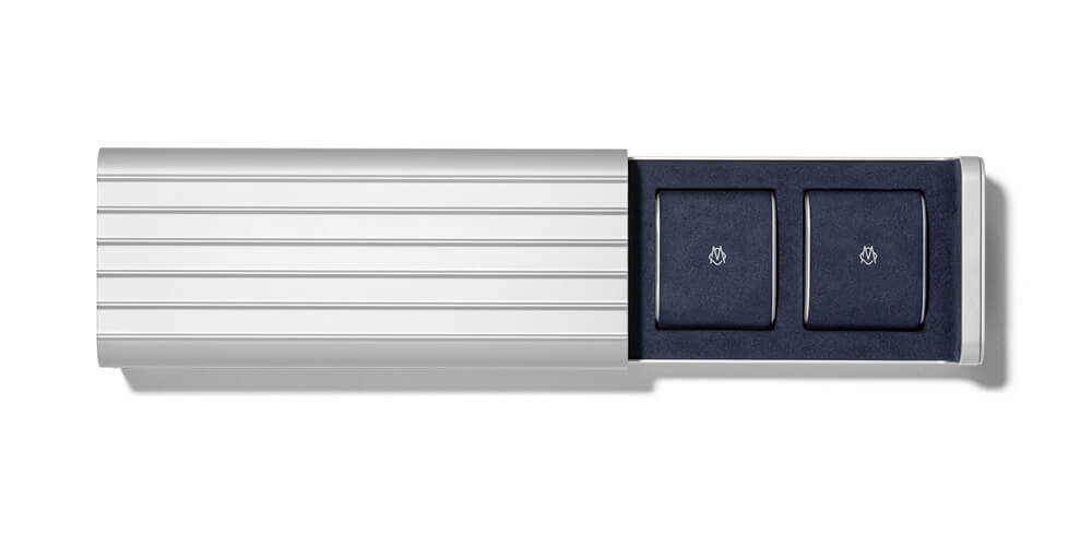 Tough grooved aluminum exterior shell to keep your watches safe. Credit: RIMOWA