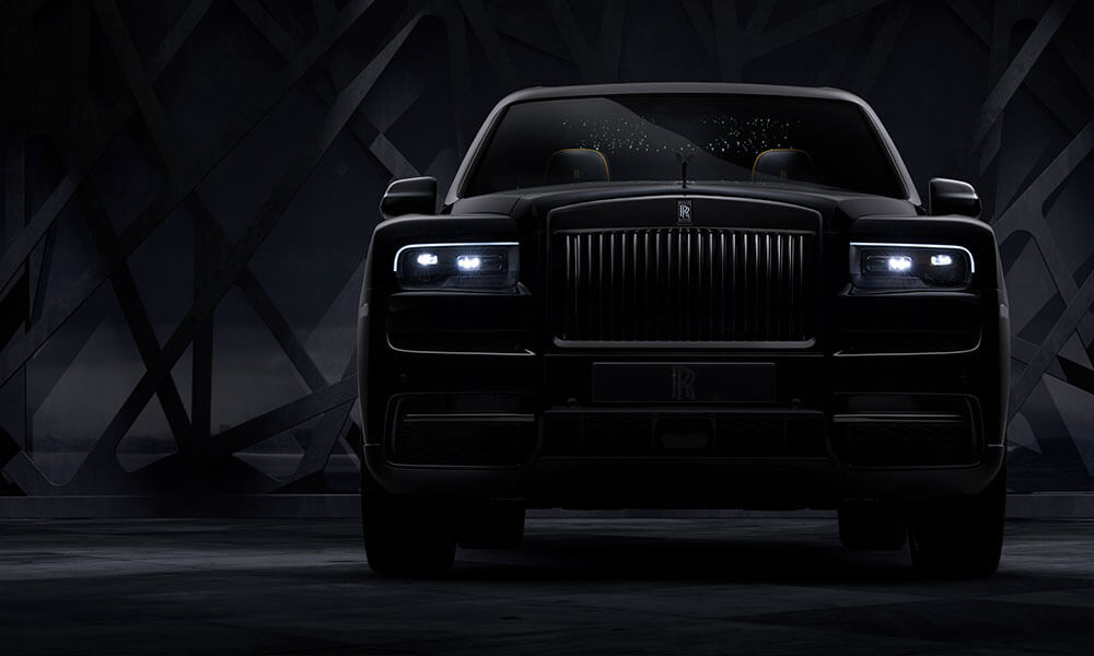 Front View of the Rolls Royce Black Badge Cullinan