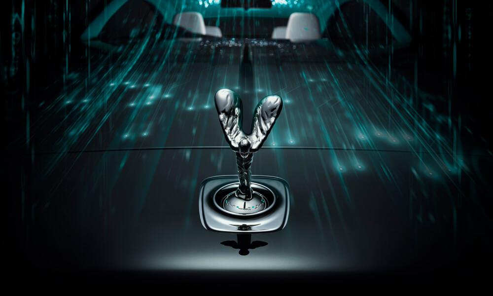 Rolls-Royce Wraith Kryptos Collection Spirit of Ecstasy