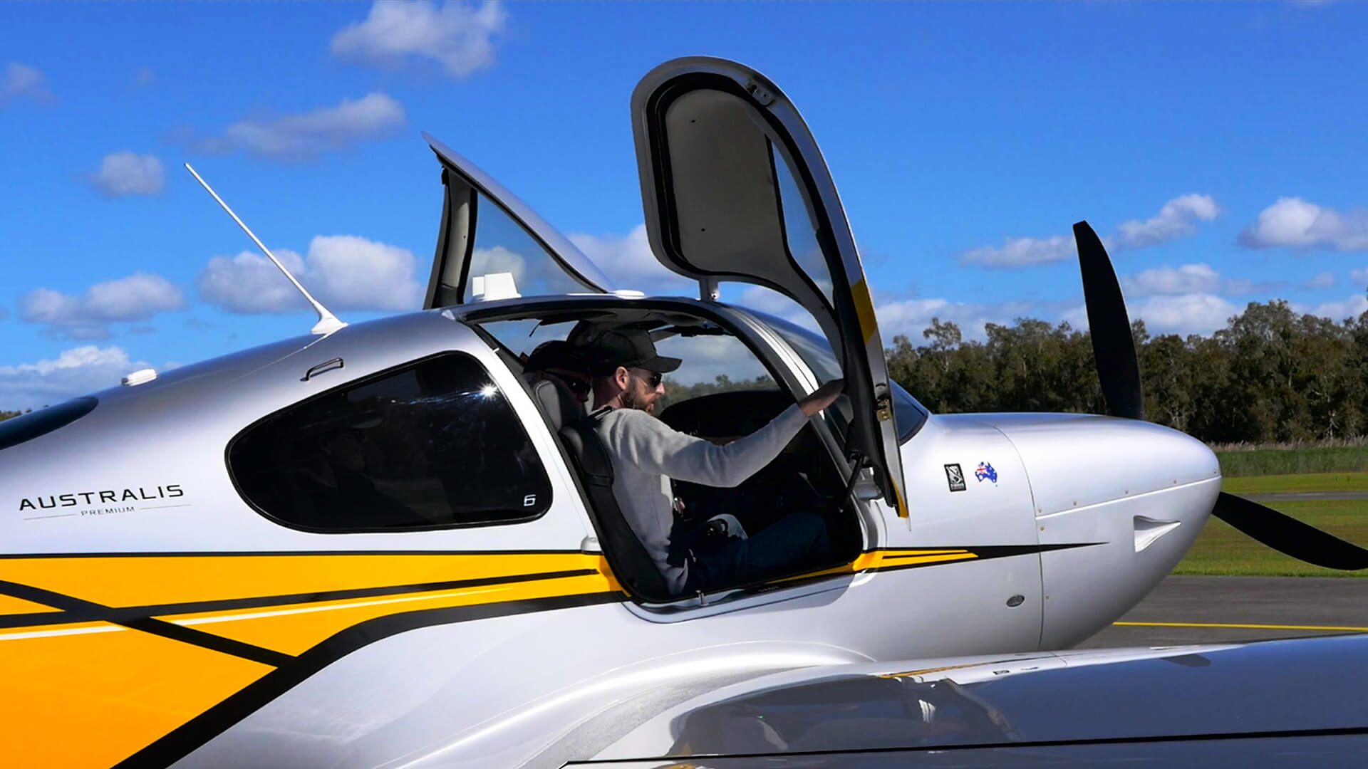 Billionaire Toys Review The Cirrus SR22