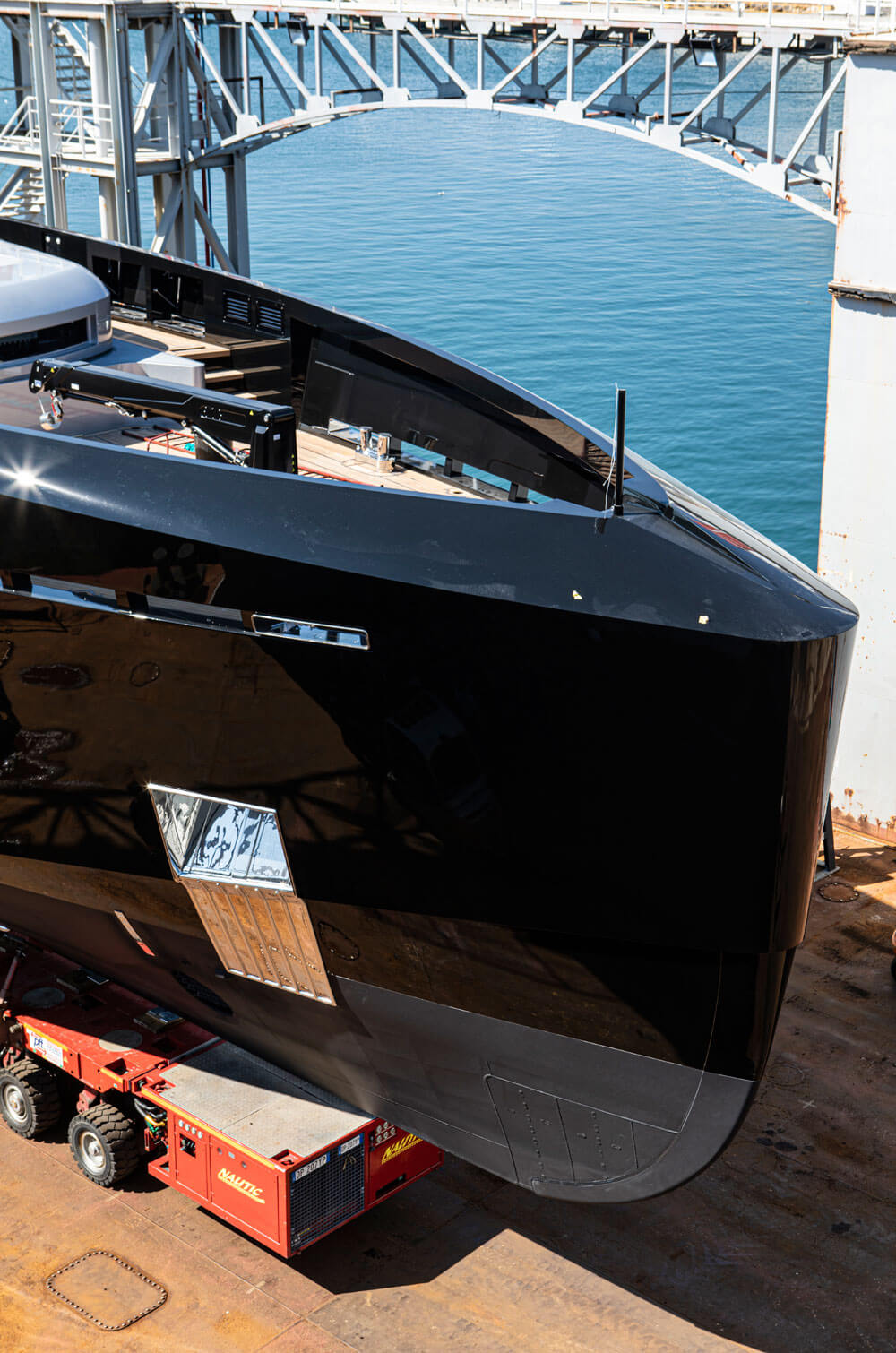 M/Y Olokun is built in lightweight aluminum but the superyacht hull can also be built in steel. Credit: Tankoa Yachts