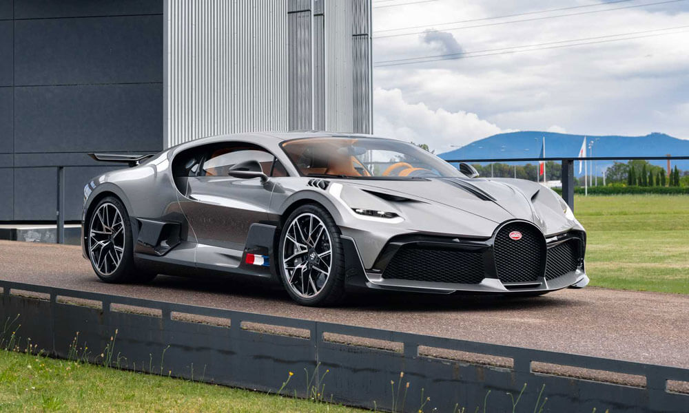 Bugatti Divo Front Left Light Grey View