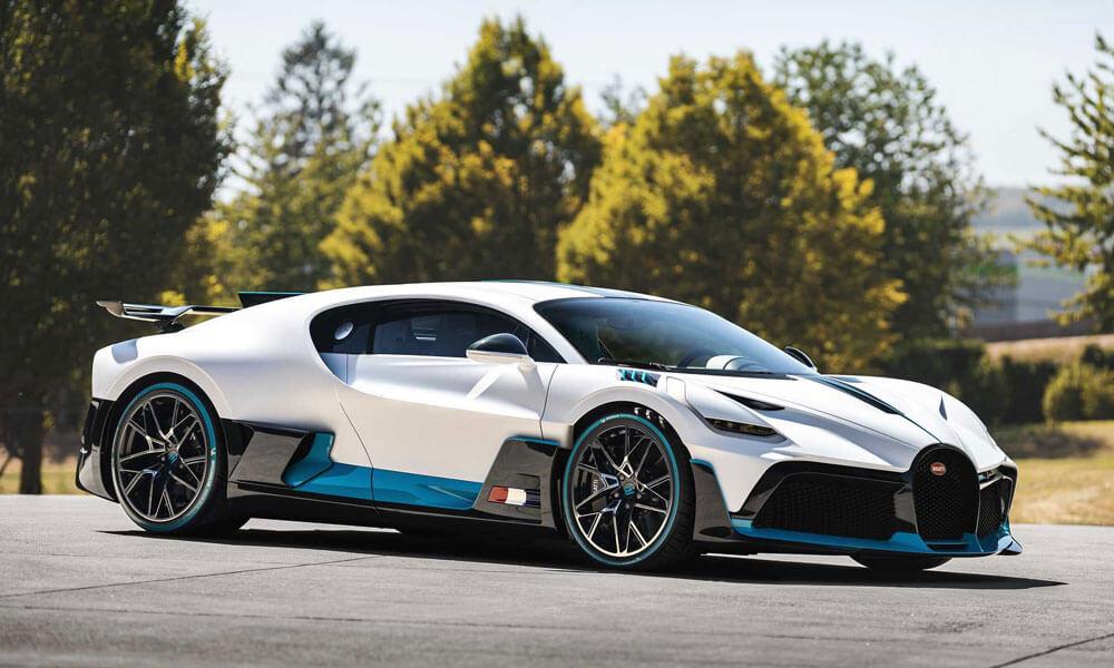 Bugatti Divo Front Side Profile