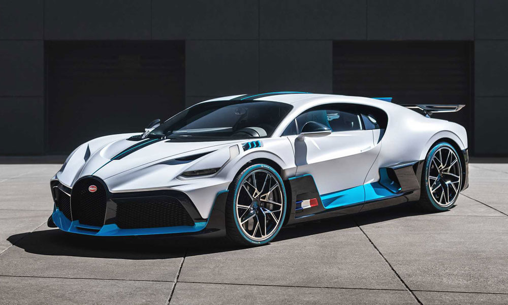 Bugatti Divo Left Side Profile