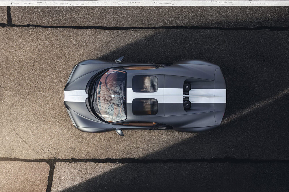 Bugatti Chiron Sport Legendes Du Ciel Aerial View