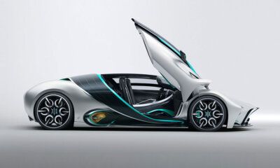 Hyperion XP-1 Hydrogen Powered Hypercar Side View Doors Up
